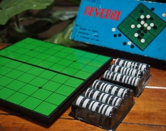 Vintage Reversi (Othello) Strategy Game - Cathay Brand No.933 - Never Been Used - For 2 Players - Ages 8 Years & Up - 1980's