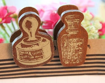 Clips 2 wood pieces set in vintage style with gold decorations