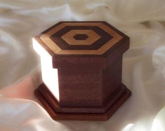 Hexagonal box in mahogany and exotic wood