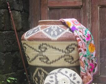 basketware/woven baskets/rattan baskets/homewares/patterned baskets/weave/storage baskets/interiors/decorative baskets