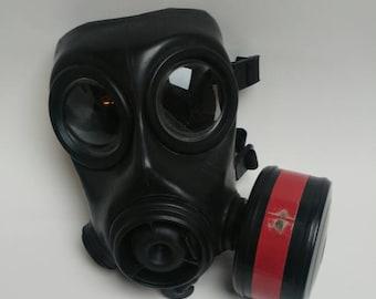 Dutch army gas mask