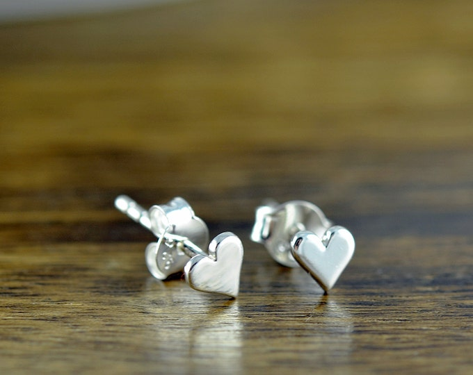 silver heart earrings - stud earrings - heart earrings  - tiny stud earrings - sterling silver tiny heart post earrings
