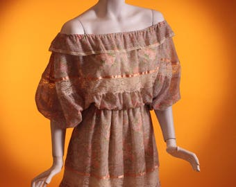 Vintage 1970's Bardot / Batwing Sleeve / Floral & Lace / Gathered Mini Dress. UK Size 12 . US Size 8.