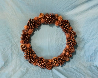 """15"""" wreath with pines and acorns"""