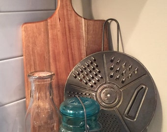 Bowl Top Round Rotating Grater