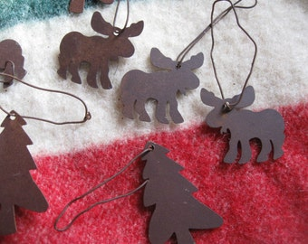 10  Primitive RUSTIC Rusty   tin 5 moose  and 5  pine trees  ornaments free shipping in u s a
