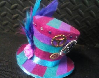 Multicoloured mini top hat