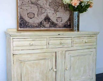 Hand Painted/Shabby Chic/Rustic Sideboard/Cabinet/Storage unit