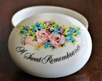 Porcelain Keepsake Box - A Sweet Remembrance
