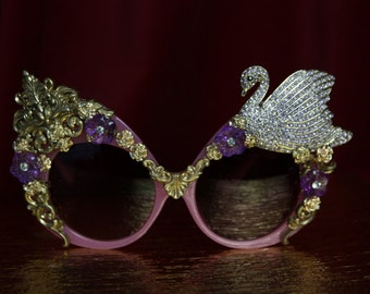 Baroque Rococo Pink Glass Embellished Swan Rococo  Oversized Shades Sunglasses