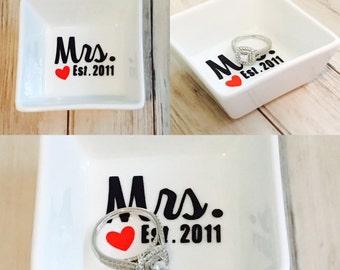 Ring Dish  Mrs Mr Est.   Bridal Shower gift | Ring holder | Engagement Gift | Personalized Engagement Ring Dish