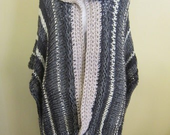 Knitted Wrap with Crocheted Collar