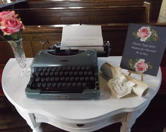 Vintage 'Good Companion 5' Working Typewriter Wedding Prop 'Type a Message for the Bride and Groom'