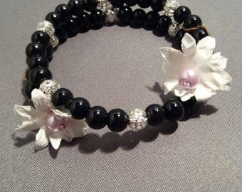 Ladies White and Lilac Flower and Black Bead Bangle with Silver Coloured Filigree spacers