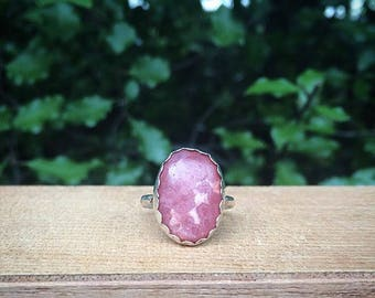 Silver Rhodochrosite Ring / Sterling Silver Ring / Pink Stone Ring / Pink Gemstone Ring / Pink Crystal Ring / Fairy Ring / Hammered Band