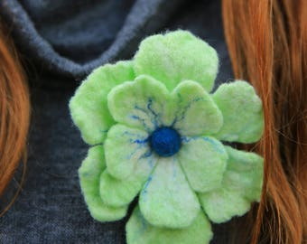 Flower Felt Brooch, Felted Jewelry, Felted Flowers Waldorf, Brooch Pin, Felt Flower,Needle felted flower, Flower green, Gift for mom