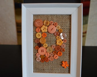 Personalised initial button picture
