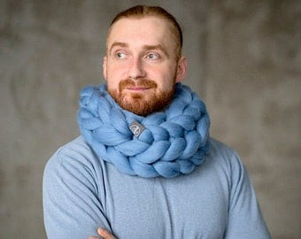 SALE! Chunky Infinity Scarf Cowl for Man. Arm knitted, soft Merino wool. Perfect gift!