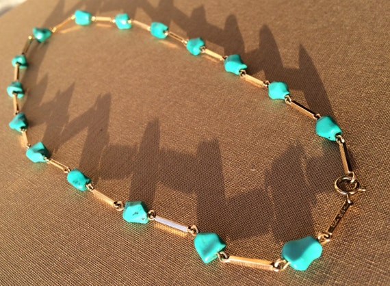 Vintage 14 Kt gold necklace with turquoise