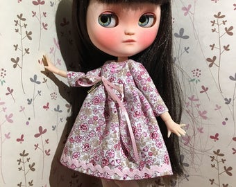 Dress printed with flowers for your Blythe