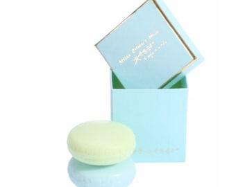 Box 2 macarons soaps turquoise