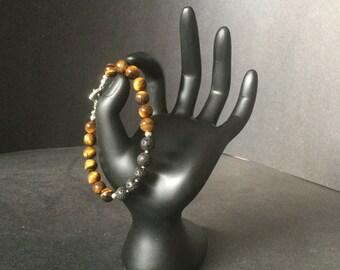 Women's natural Tiger Eye essential oil defuser bracelet