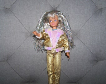 Sindy Doll Super Star 1988