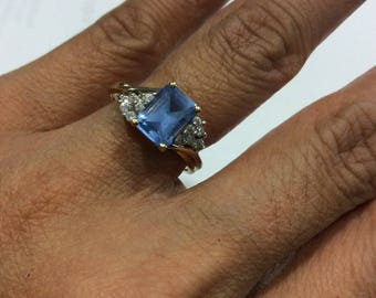 Antique  Vintage 14k gold diamond and blue topaz cluster ring