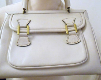 White 70s vintage leather bag casual sporty