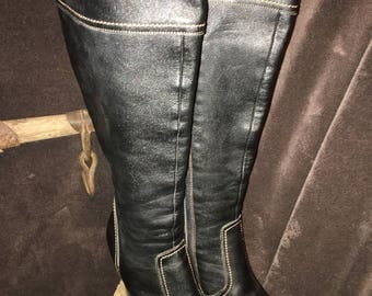Size 8 m ladies platform side zip boots from Colin Stuart