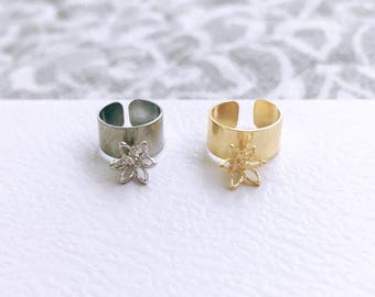 Silver or Gold Plated Earcuff with 3D Gold Flower Pendant