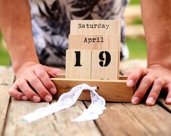 wooden calendar, calendar, office gift, eco gift,  eco calendar, shabby chic calendar, Large Rustic calendar,  desk calendar, Gift calendar