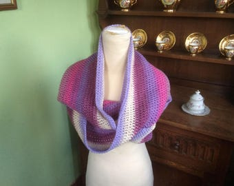 Infinity scarf,  Lilac Shaded scarf, Lilac Shaded cowl, Hand Made, Hand crochet, Crocheted infinity scarf, Crochet scarf, Lovely Shaded yarn