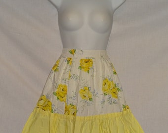 Vintage 1950s yellow rose and white Apron