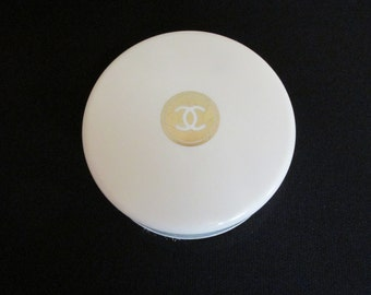 Rare Vintage CHANEL NO 22 Perfumed Bath Dusting Powder Opened & Full