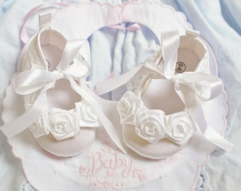 White Rose Flowers Baby Shoes, Blessing Baptism Shoes, Cotton Christening Shoes, Pure White Flower Girl Wedding Shoes