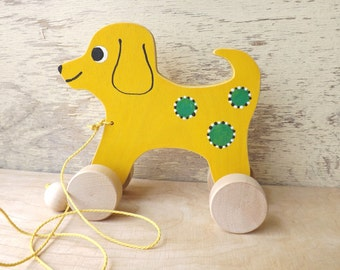 Wooden pull toy Dog in Yellow / Green, hand cut hand-painted wood animal on wheels for kids toddlers, colorful personalized pull along toy