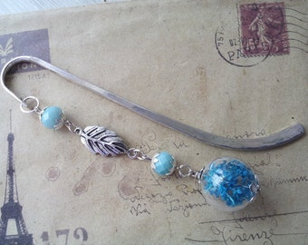 Glass bead bookmark