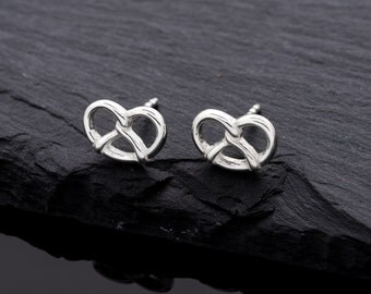 A pretzel a day! Earrings of pretzel made of 925 Silver
