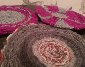 Woolen Swirl Mats