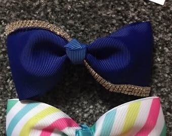 2 mini hair bows