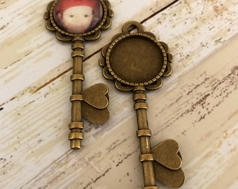 Custom Photo Pendant , Photo Necklace Key to my heart