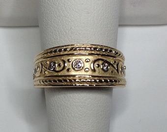 Estate 14K Yellow Gold 0.10 CTW Diamond Wedding Band Ring 11 Grams Size 6