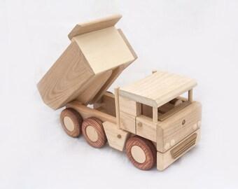Wooden truck tipper