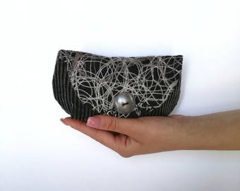 Mini clutch grey and white with embroidery in black fabric, corduroy and vintage button Pearl Grey