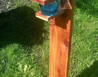 Single Aromatic cedar lawn stands