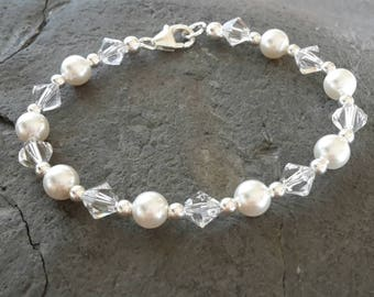 Sterling silver 925 bridesmaid/flower girl/prom/special occasion bracelet. Swarovski white pearls and crystals. Wedding jewellery/jewelry.
