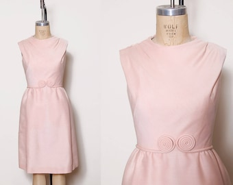 Vintage 60s pink sheath dress / swirl belt / sleeveless pin up dress / 50s midi shift dress
