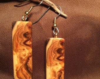Exclusive earrings Wild wood from Quebec.