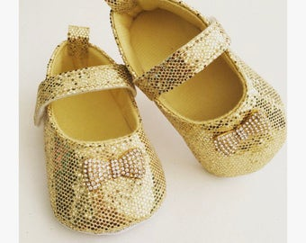 Baby Gold Shoes,Infant Gold Shoes,Glittler Shoes, Baby girl shoes, Baby shoes, Gold Shoes, Baptism, infant, christening, baby wedding shoes